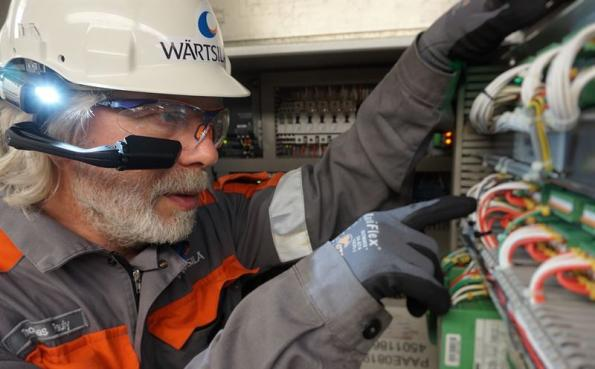 Wärtsilä's remote guidance service provides ship operators with real-time troubleshooting and technical advice assistance.