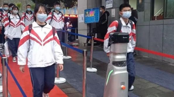 Smart Patrol Robots fight Covid-19